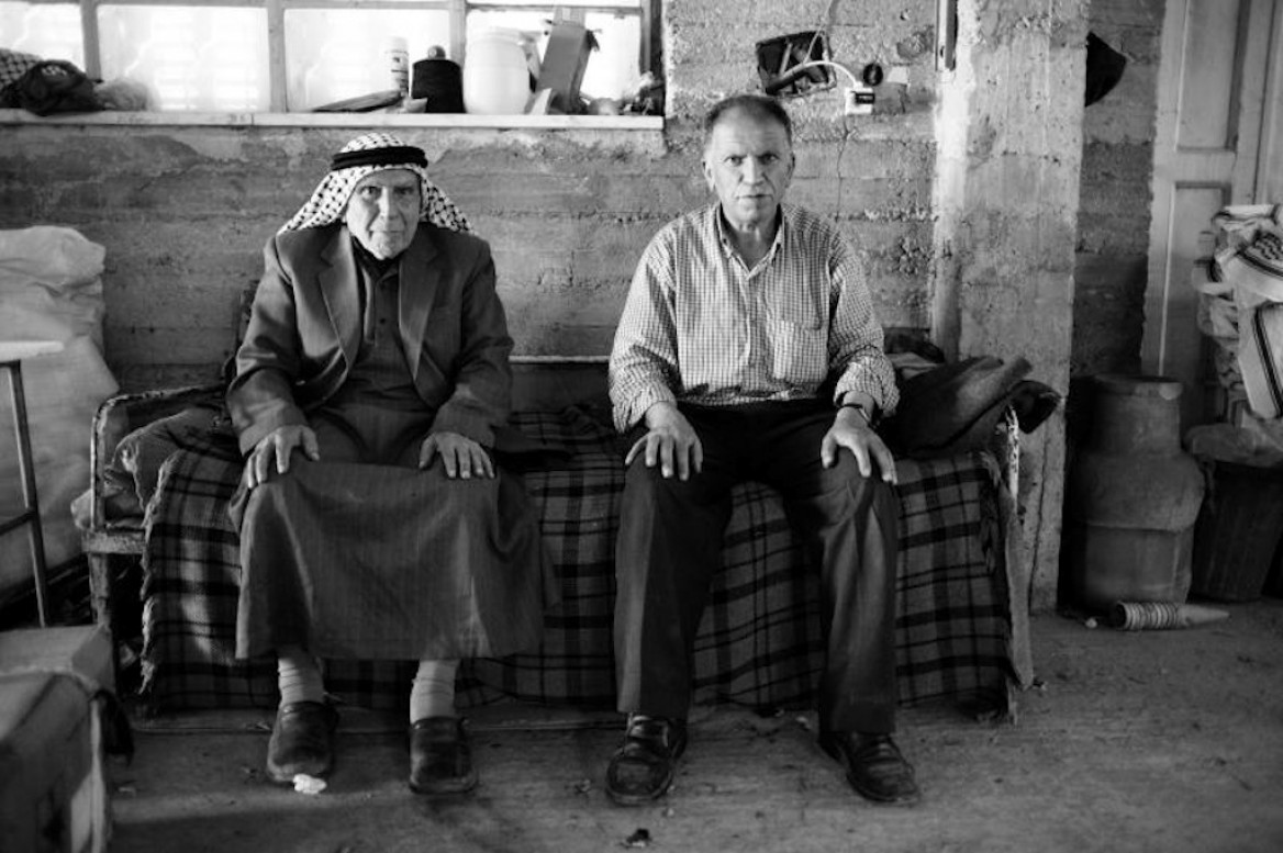 Storie dalla Palestina: l'ultima fabbrica di kefiah